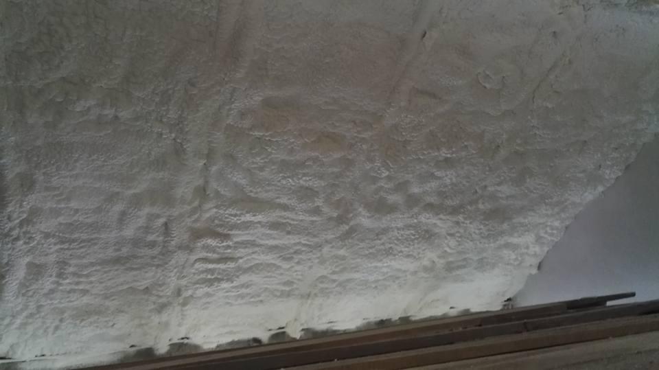 Ocieplenie poddasza pianą PUR w miejscowości Gruszczyn, Izolacje Natryskowe IzolPoznań