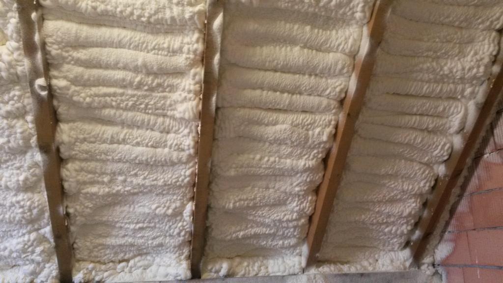 Izolacja stropów pianką poliuretanową IzolPoznań
