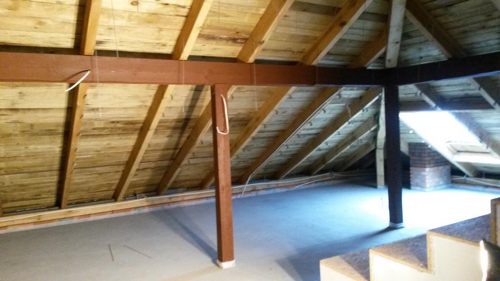 Poddasze, strop przygotowane do izolacji pianką poliuretanową IzolPoznań