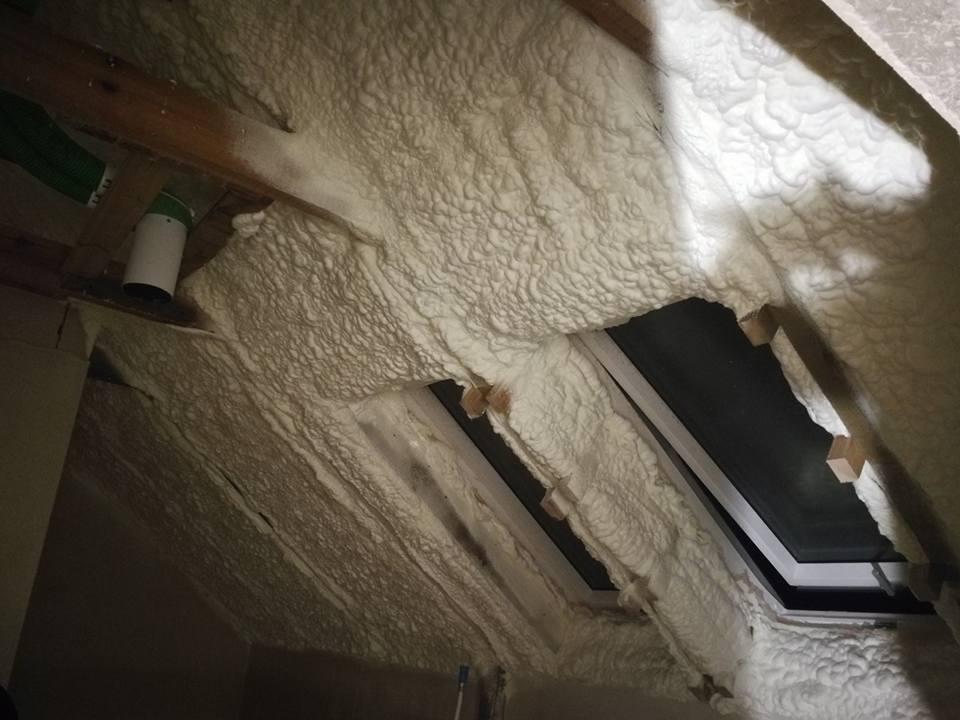 Izolacja Natryskowa, Ocieplenie pianą PUR poddasza w Więcborku, wykonanie IzolPoznań