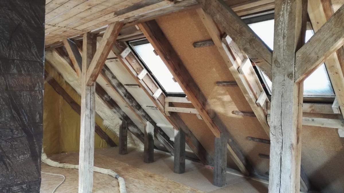 Izolacja stropu dachu, ocieplenie pianą PUR, Pleszew Izolacje Natryskowe IzolPoznań